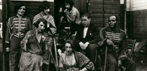 cropped-circus-artists-by-august-sander